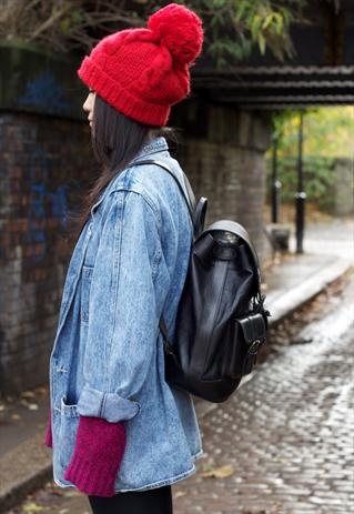 Wooly hats and backpacks, we love this!