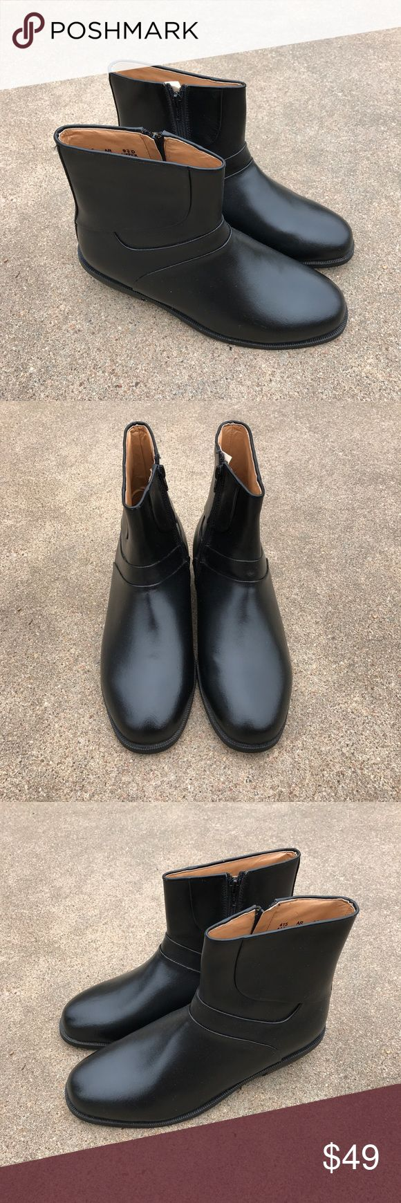 Haband Executive  Lion's Den Men's Ankle Boots Lovely Haband Executive Division Lions Den men's ankle boots black leather Size 9.5D Condition. Pre-owned, in good condition. Haband Shoes Boots