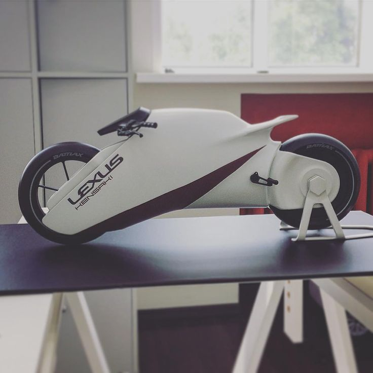 "624 Me gusta, 3 comentarios - Car Design World (@cardesignworld) en Instagram: ""Lexus Kensaki concept motorcycle by Julia Romanova @julialeksandrovna_ from MAMI Moscow State…"""