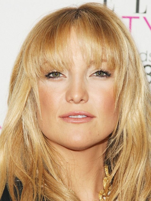 We all know Kate Hudson looks just like her mom Goldie Hawn, but in these photos they're actually identical.