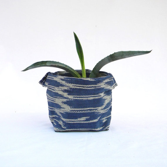 Bansot Ikat Fabric Bowl: Garden Garden, Fabric Bowls, Fabric Bowl Repin, Ikat Fabric, Bansot Ikat, Green, Bowl Repin By Pinterest