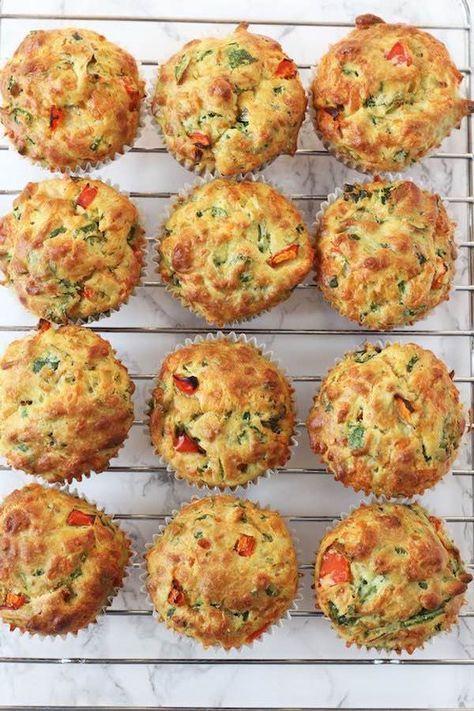 Muffins salados ¡verduras a prueba de peques! Cómo hacer muffins salados de verduras. Receta de muffins salados, un gran modo de que los peques coman verdura. Recetas con verduraspara niños. #recetasdealimentos