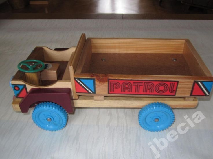 ciężarówka z drewna ekologiczna czasy prl-u
