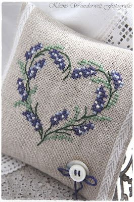 Eles Small Wonder World: Embroidered