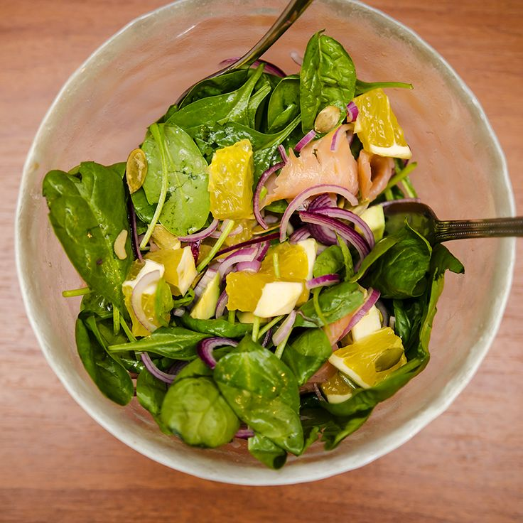 #spinach #orange #smokedsalmon #foodcoaching #avocado #easypeasy