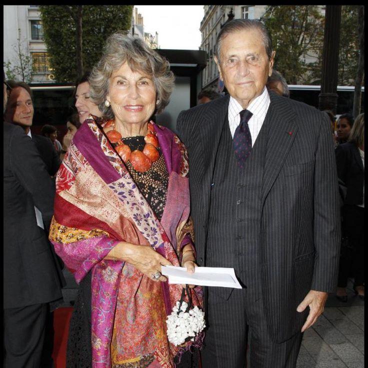 Le comte et la comtesse Hubert d'Ornano à la soirée de gala organisée en faveur de la Fondation Pompidou, présidée par Bernadette Chirac. 13 septembre 2011