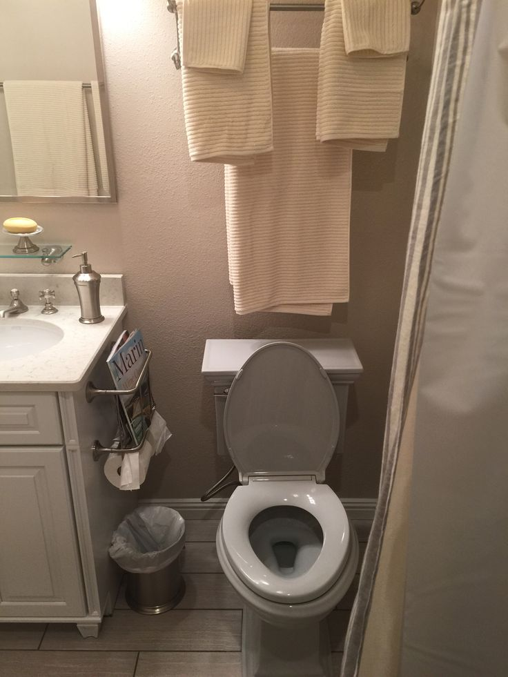 17 best images about bathroom remodel on pinterest for Do metro trains have bathrooms