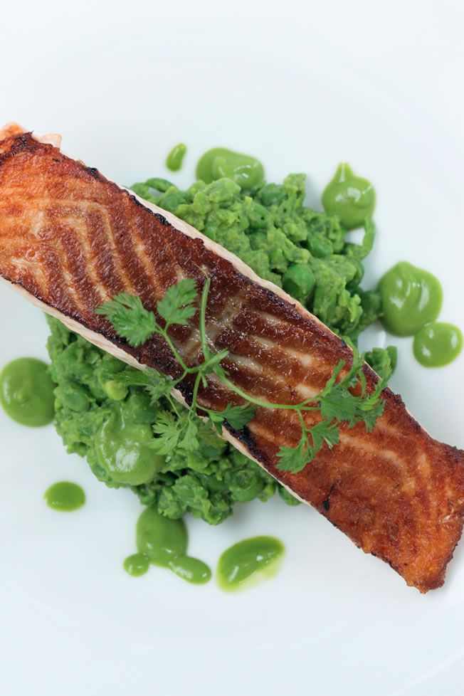 Smashed Green Peas + Pan Roasted Salmon : The Healthy Chef – Teresa Cutter