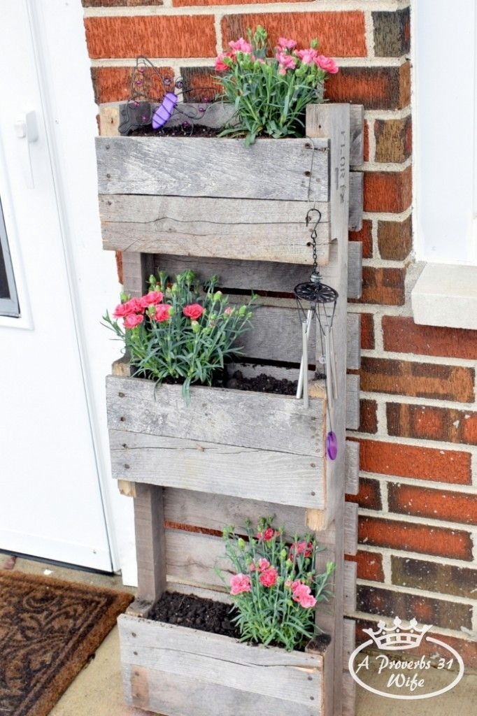 Butterfly-pallet-planter