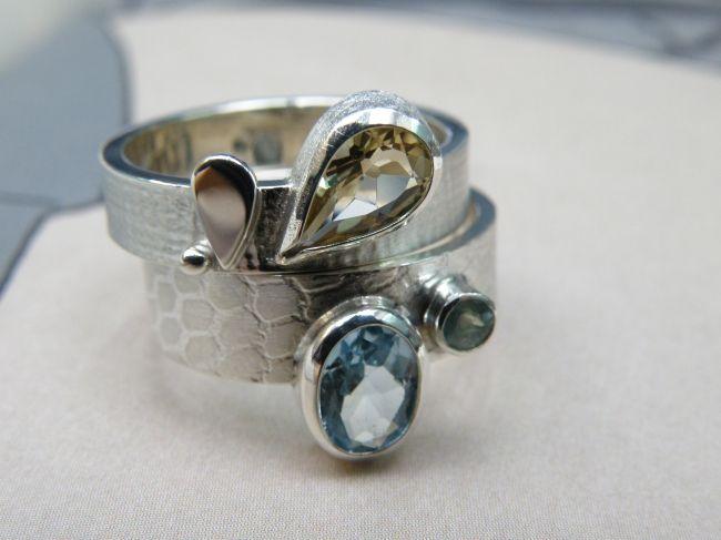 * gemstones and pearls | oogst-sieraden * Aanschuifringen * Zilver met texturen, blaadjes en eigen edelstenen * Maatwerk *
