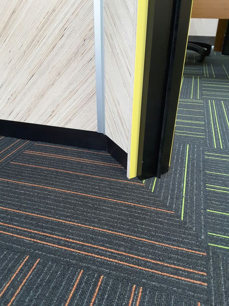 MAXI Edge FINELINE angle patterned panels and Yellow MAXI Film Birch plywood