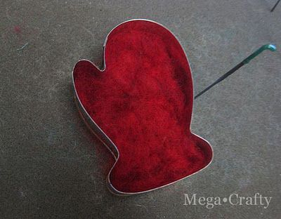 Tutorial for using cookie cutters for needle felting.