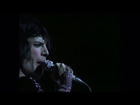 QUEEN - the creators of 'Stone Cold Crazy' (not Metallica) (Live at the Rainbow) 1974 Sheer Heart Attack Tour!!  (Metallica changed some lyrics to make them violent - Freddie's original lyrics at the end are humorous and decidedly NOT violent! )