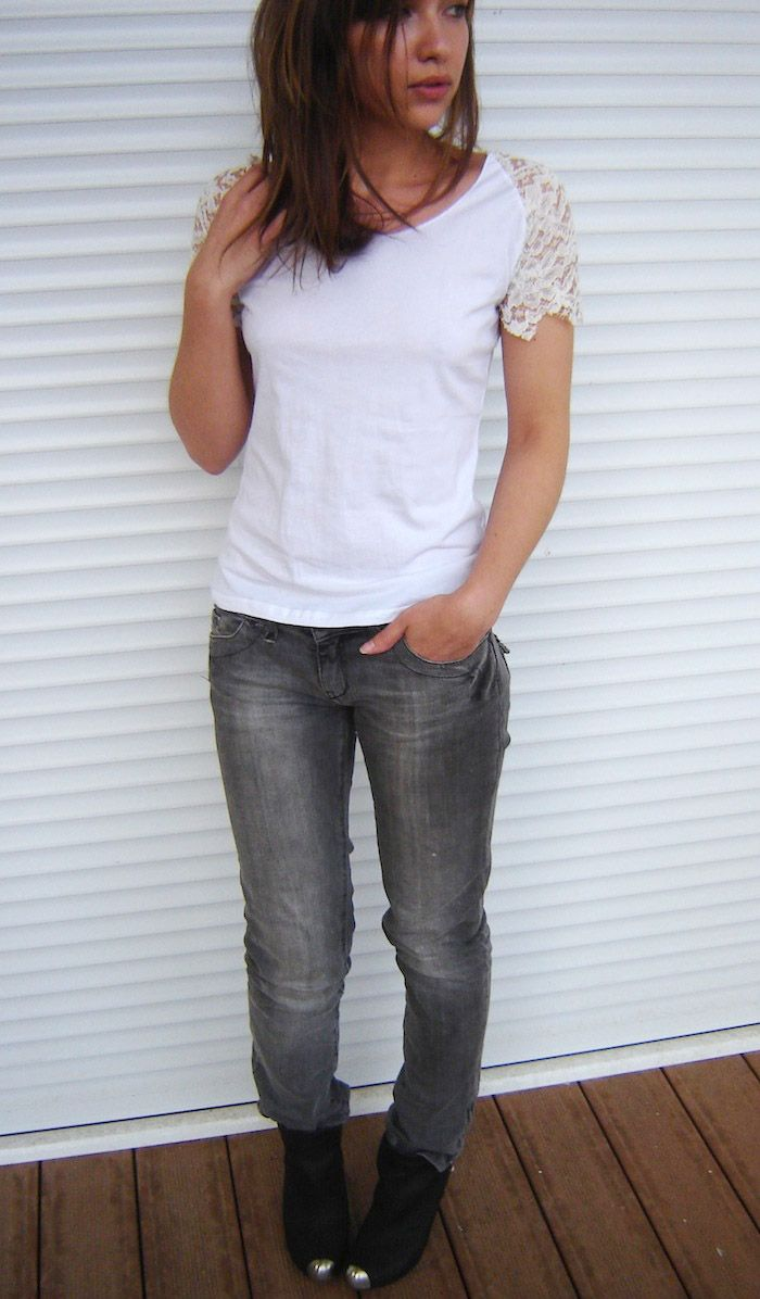 How to embellish tee-shirt shoulders with lace ? DIY by Virginie Peny