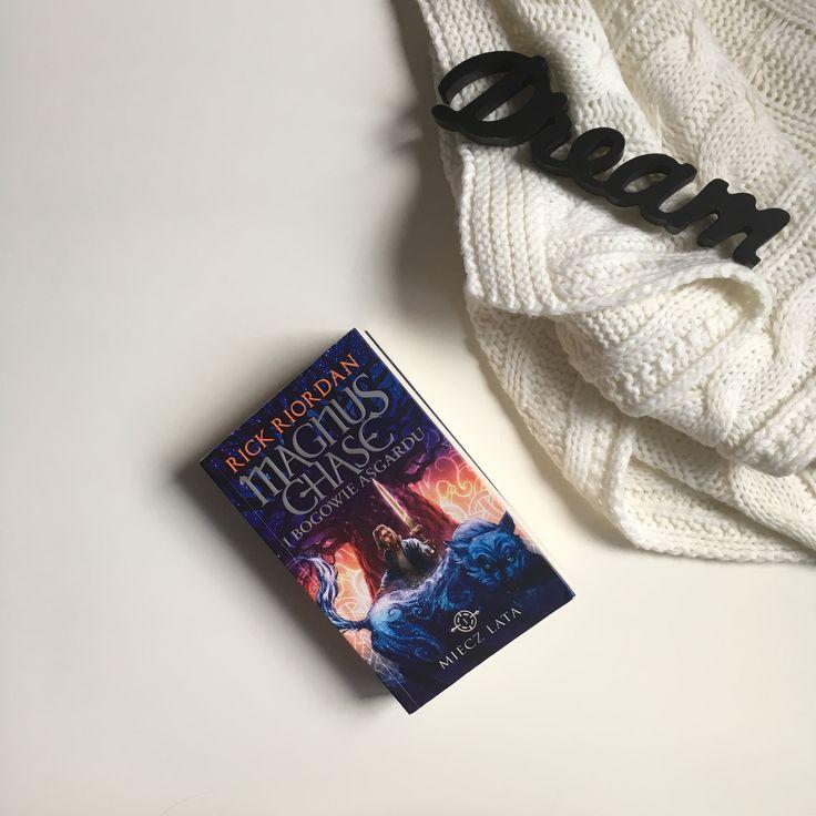 Magnus Chase book 1       My photo 📸