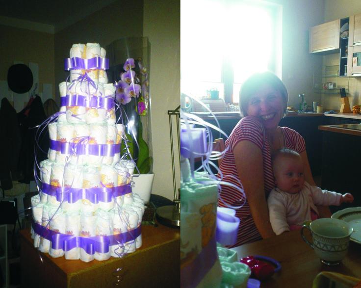 torcik z pieluch dla Kasi z okazji narodzin córeczki :D