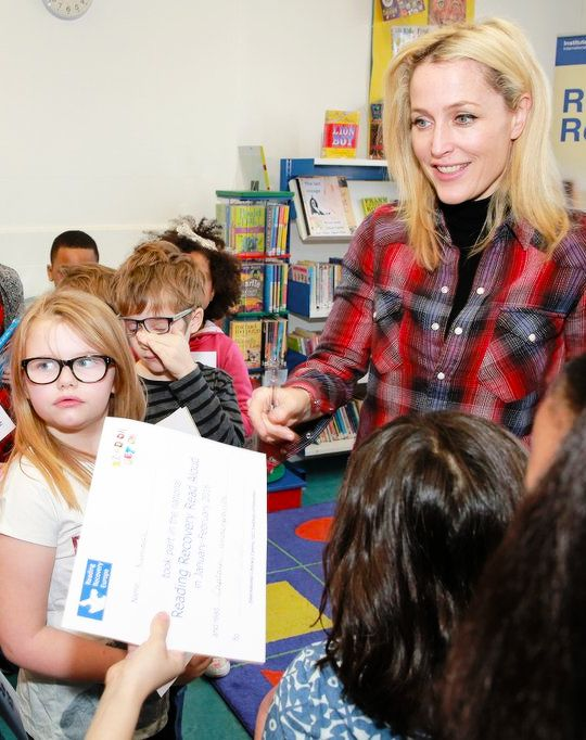"""andersondaily: """"""""Gillian Anderson at Islington Primary School for the start of UCL's 2016 Reading Recovery Read Aloud campaign in London (Jan 19). """" """""""