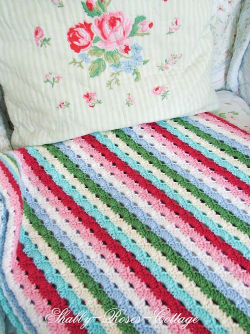 Heart Handmade UK: Shabby Chic Home and Craft Inspiration   Shabby Roses Cottage: Crochet Blankets, Colors Combos, Heart Handmade, Stitches Patterns, Rose Cottages, Colors Combinations, Crafts Inspiration, Shabby Chic Home, Bedrooms Decor