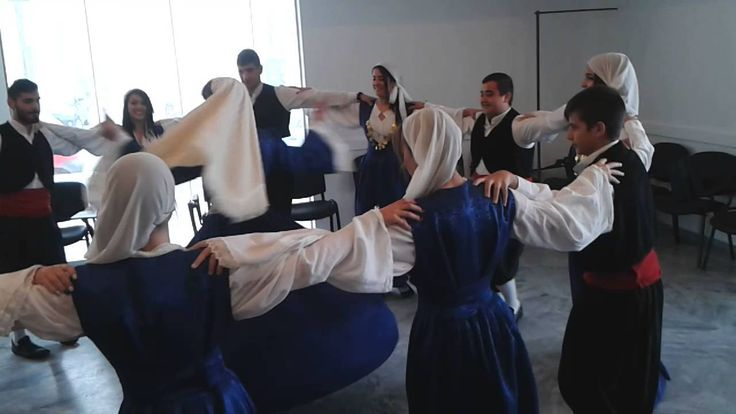 TRADITIONAL DANCE IN SAMOS