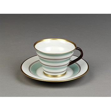 Tea cup and saucer ca. 1929-1931, Nora Gulbrandsen, Norway.