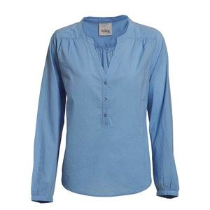 Buddah plain classic shirt, oxford blue. A light and pretty shirt perfect for spring with a beautiful neckline. Made from 100% GOTS certified organic cotton.