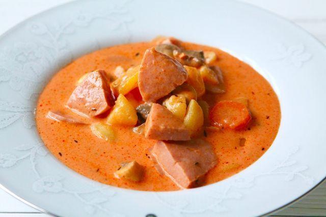 Suppe med falukorv og potet