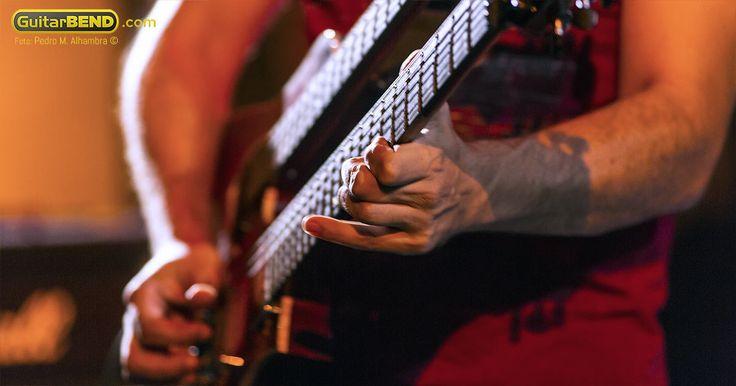 Guitarras Cort-yossi_sassi_portada.jpg