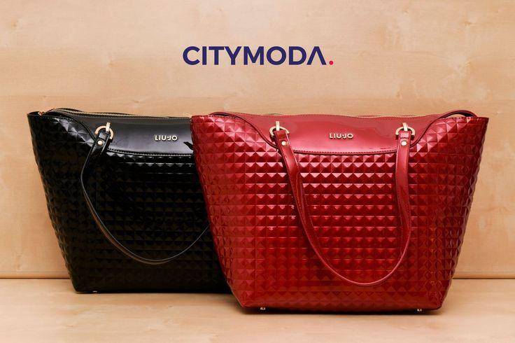 Per il tuo sabato concediti un'esplosione di #glamour con le #borse della nuova collezione LIU.JO. Avrai solo l'imbarazzo della scelta! #CityModaAlwaysCool