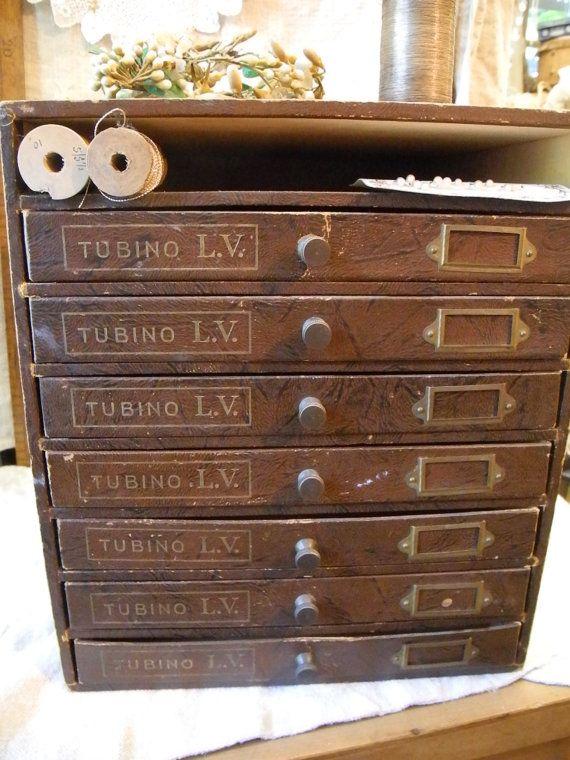 Ancien meuble de mercerie années Tubino LV Paris par MyFrenchHome