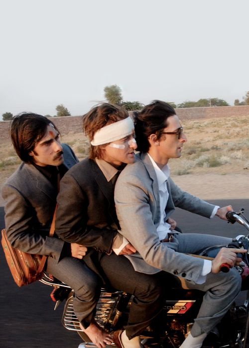 Jack (Jason Schwartzman) Francis (Owen Wilson) Peter (Adrien Brody) - The Darjeeling Limited / Wes Anderson