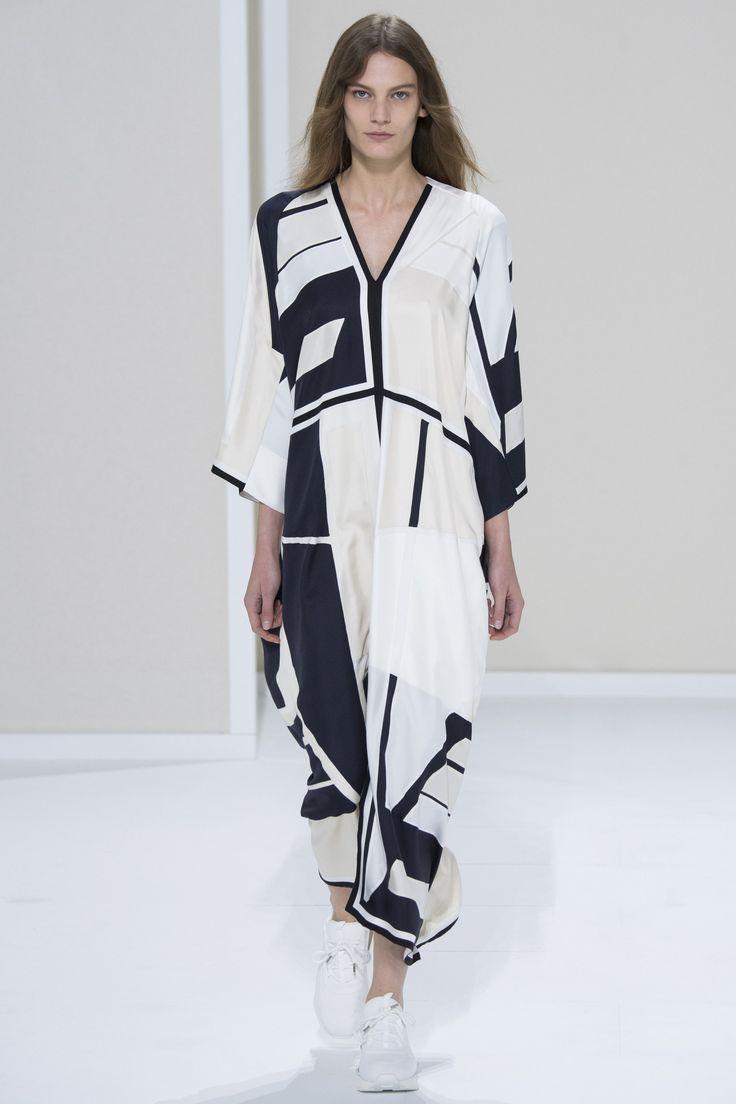 Hermès Spring 2016 Ready-to-Wear Fashion Show - Lena Hardt