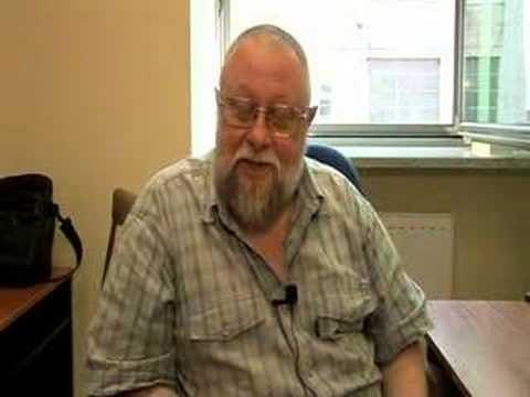 Videoblog profesora Bralczyka poświęcony językowi polskiemu.