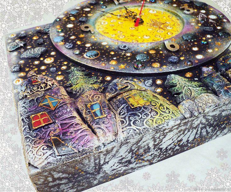 """Купить Часы """"Ночь перед Рождеством"""" в интернет магазине на Ярмарке Мастеров"""