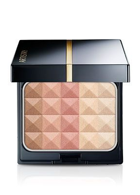 Multi-effect colours to shape, shade, and enlighten. This unique face powder will help you create a completely customizable look to enhance your best features. Each illuminating colour is designed to be used alone or together to highlight, contour, define, blush, or bronze. 3D Face Powder was developed with renowned makeup artist Francis Hathaway. Compact sold separately.