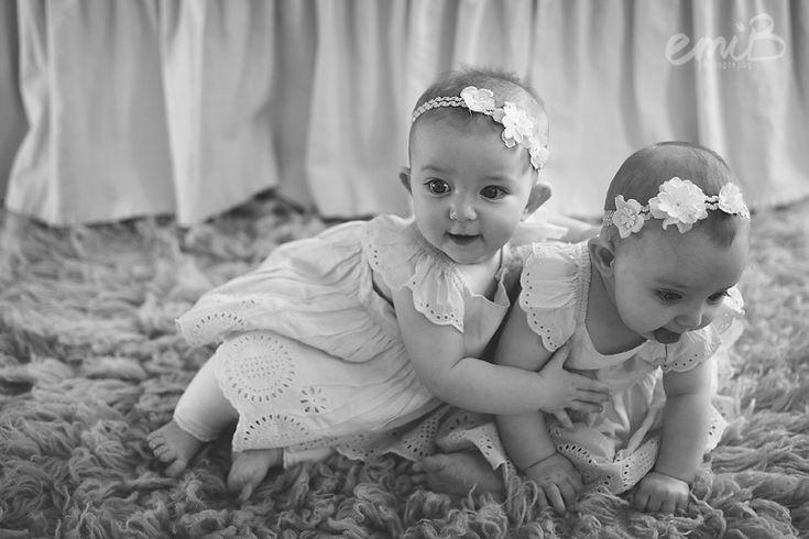 Twin girls | 6 months | emiB Photography