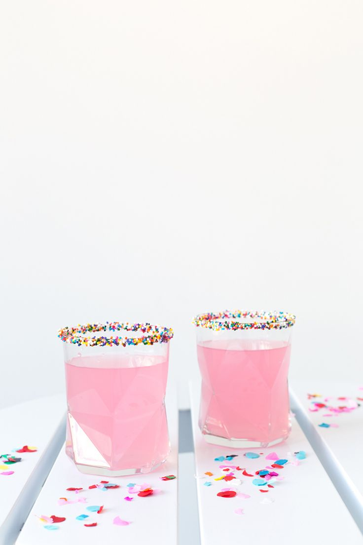 Three Colorful Ways to Jazz Up Summer Cocktails | Freutcake