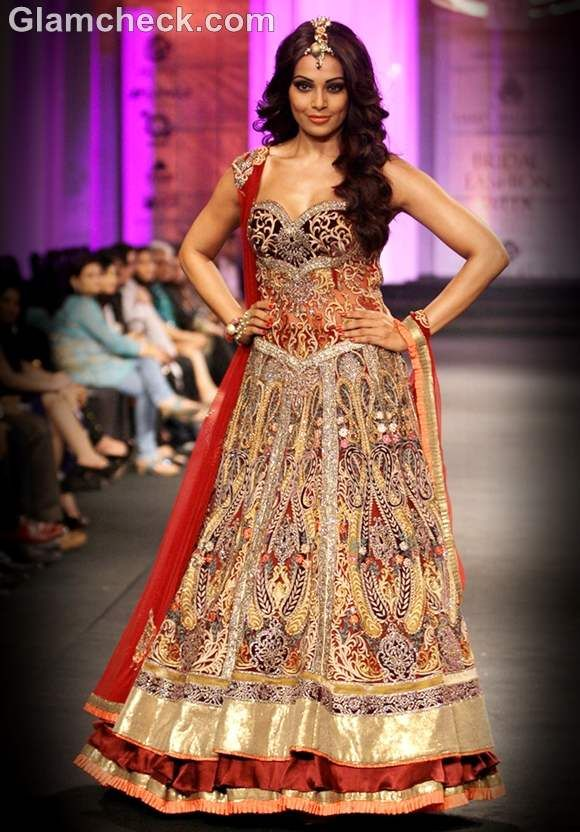 Bipasha Basu wearing a gorgeous lehnga & a brocade corset with embroidered tulle.