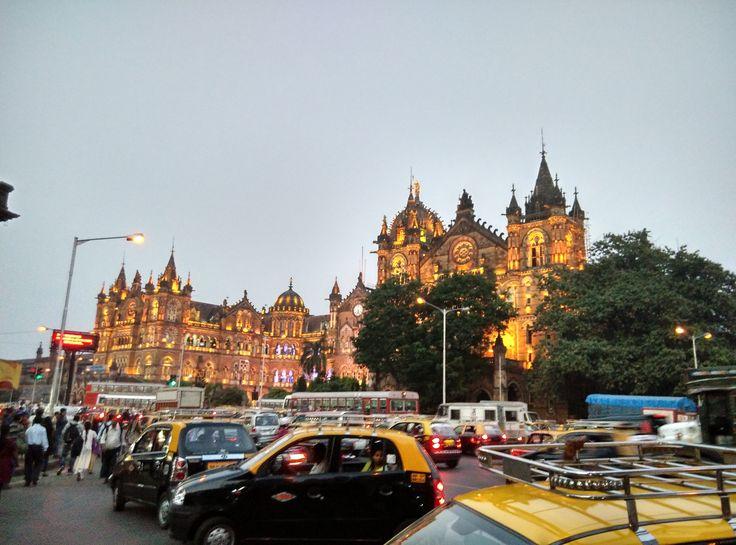 Chhatrapati Shivaji Terminus by Anirudh Prabhu on 500px