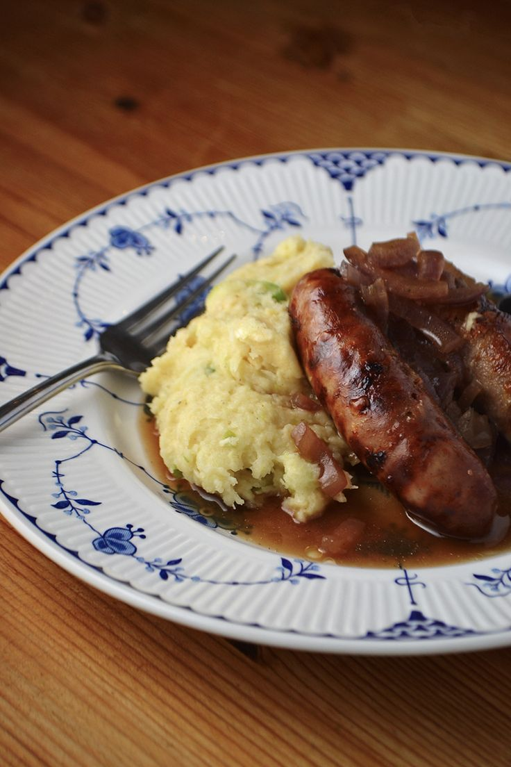 Dinner - Paleo Sausages with Apple Parsnip Mash & Red Onion Gravy (add peas!)