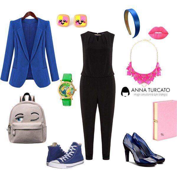 """The #black #jumpsuit.  In questo periodo non sai proprio come vestirti? Una bella tuta è quello che fa per te! Promosso anche il nero se abbinato ad un blu carico come quello della giacca in un tessuto pratico e comodo. #unlookalgiorno pratico e divertente per il giorno abbinato ad accessori pop che diventa raffinato alla sera e accompagnato da tocchi di colore intensi, anche nel trucco, e dettagli inaspettati come la pochette """"diario segreto"""". Adatta a te che sei vitaminica e divertente e…"""