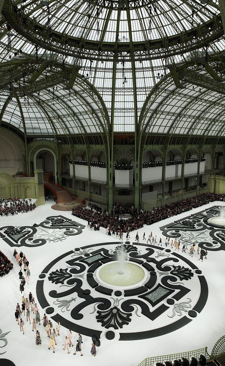 Chanel S/S 2011, a french garden, Grand Palais, Paris- catwalk - runway - model - fashion