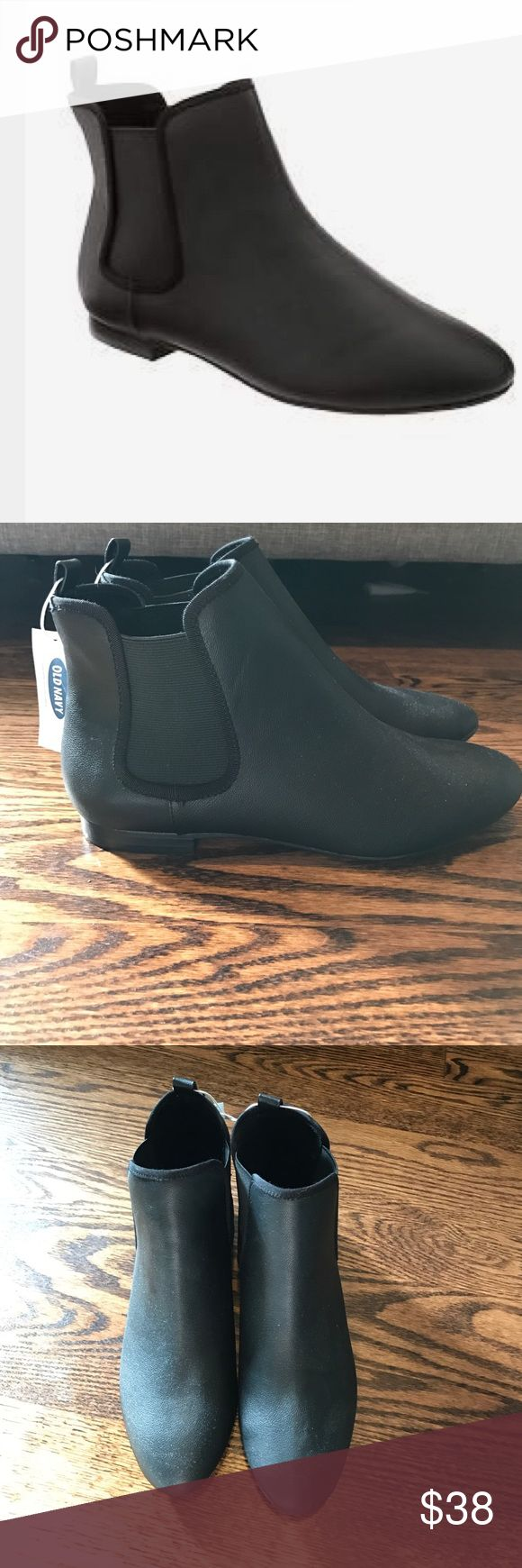 Old Navy Chelsea Ankle Boots black NEW WITH TAGS Black Old Navy Chelsea ankle boots in black size 8. New with tags, never worn. Old Navy Shoes Ankle Boots & Booties