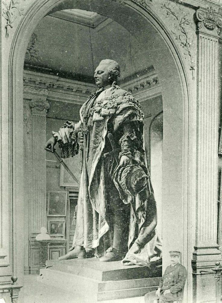 Statue of Louis XVI, 1829 by Nicolo Bernardo Raggi (1791-1862) (Musée des Beaux-Arts-mairie de Bordeaux).  The statue was destroyed in 1942.
