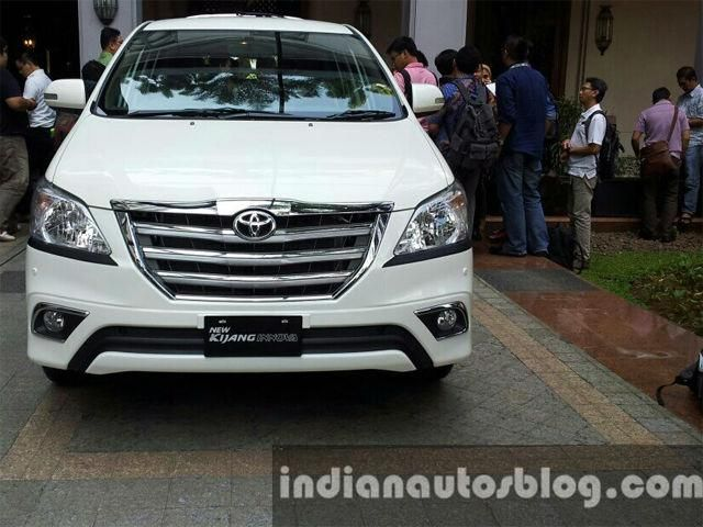 Slideshow : Toyota Innova Facelift - Toyota Innova Facelift expected to be  launched soon | The