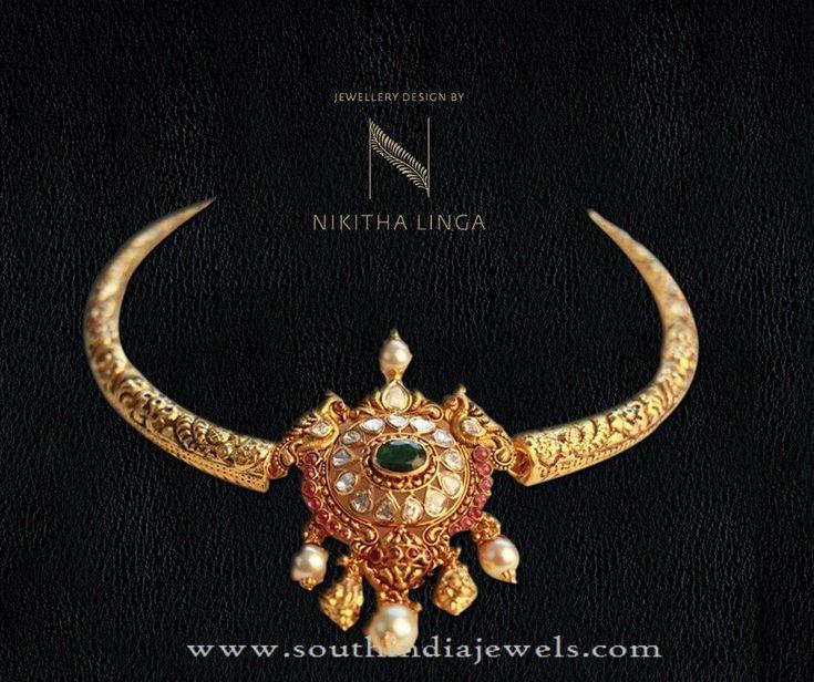 Gold Short Necklace from Nikitha Linga, Indian Gold Necklace Designs, Indian Gold Short Necklace Designs.
