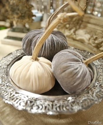 Add a touch of luxe to your halloween centerpiece with these velvet pumpkins.