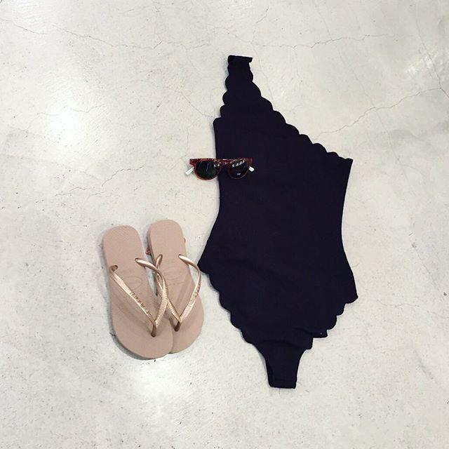 【Marisia Swim】 NY発のブランド。完璧なシルエットを追求したシックなデザインが特徴です。 元バレリーナのデザイナーが考案した、良質で着心地のいい水着は世界中で愛されています。 #MAISONDEREEFUR #REEFUR #marisiaswim #swimwear #daikanyama