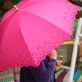 Eyelet pink umbrella