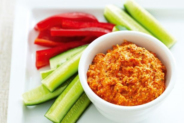 Chargrilled capsicum and cashew dip