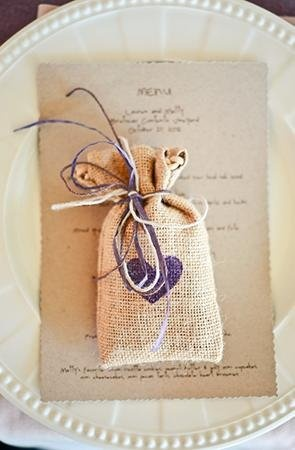 Burlap wedding favor bag (Photo by Larsen's Photography)